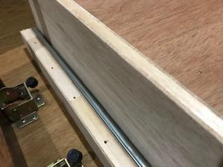 テーブルリメイクDIY・天板の下に引き出しを付ける方法
