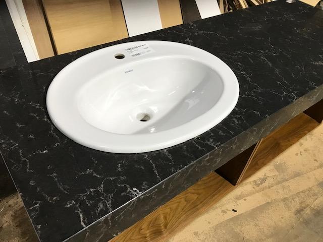 人造大理石の天板を使用したオーダー洗面台製作事例