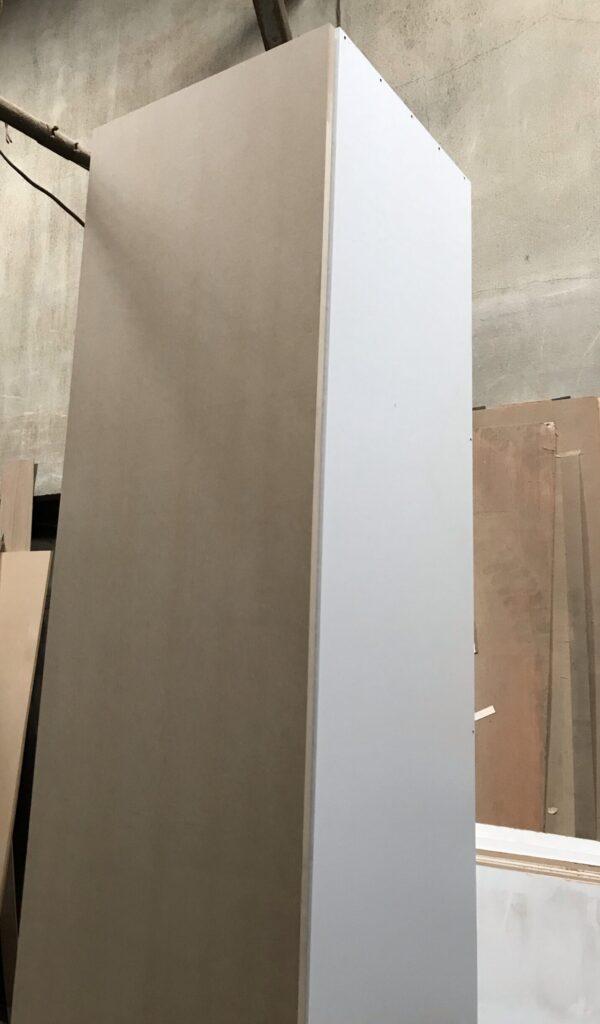クローゼット収納にダボレールの白