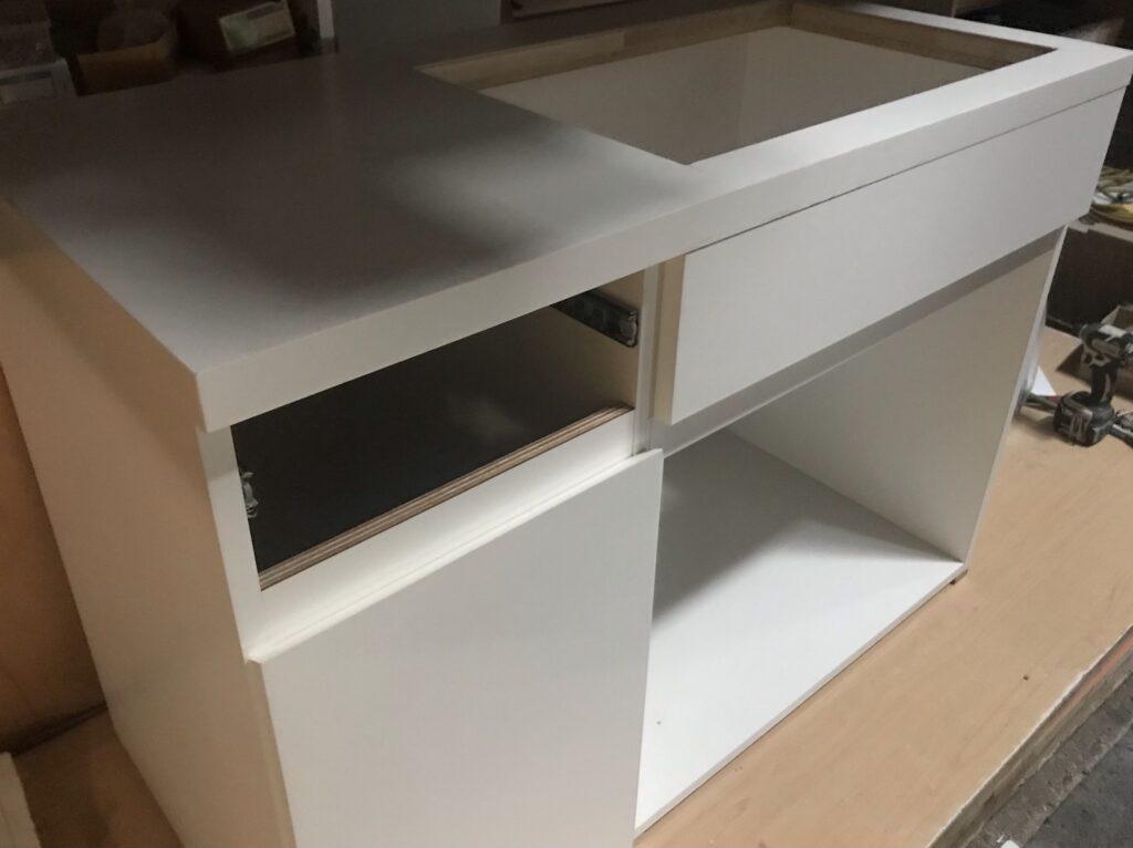 美容整形クリニックの診察室の流し台製作